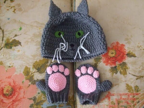 Crochet Kitty Cat Hat Pattern : Kitty cat hat & paws Crochet away Pinterest