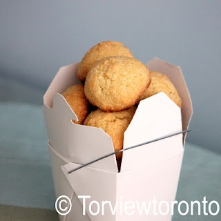Amaretti cookies made with 3 ingredients