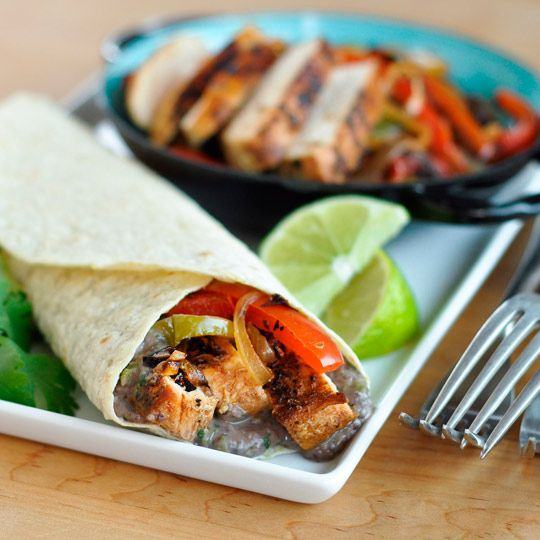 Recipe: Chipotle Chicken Fajitas with Creamy Black Bean Spread Recipes ...