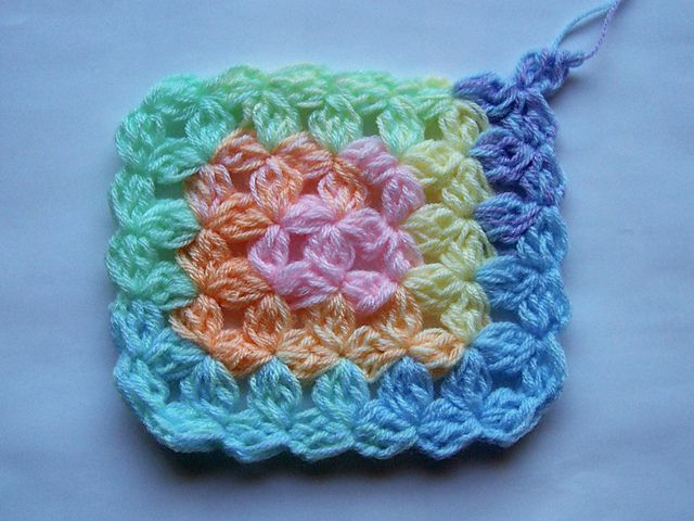 Crochet Jasmine Stitch In The Round : Ravelry: Jasmine Stitch No. 6- 4 petals with bobbles in the round ...