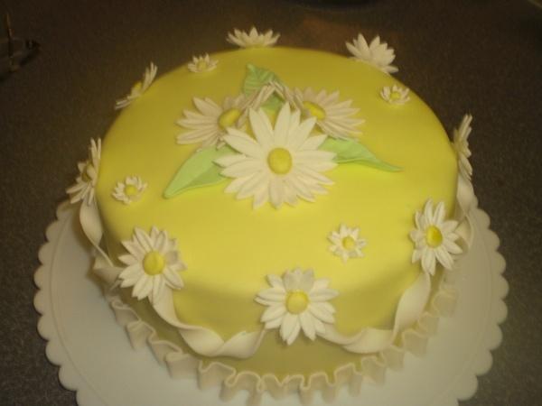 Cake Decor Daisy : Daisy cake Cake Decorating Pinterest