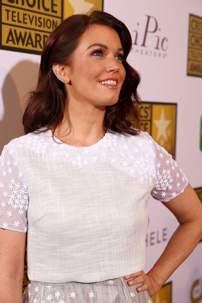 Bellamy young photos arrivals at the critics choice television awards