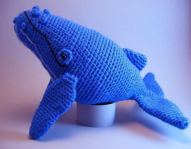 amigurumi humpback whale pattern by Aeron Aanstoos