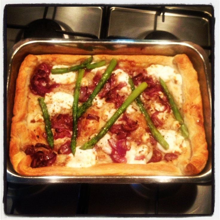 Goats cheese, caramelised red onion and asparagus pastry! So easy