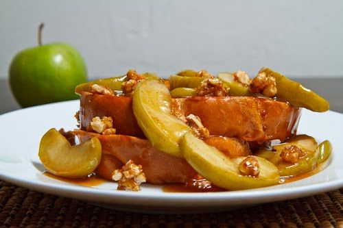 Apple Pie French Toast (not sure I'd like the walnuts, but other than ...