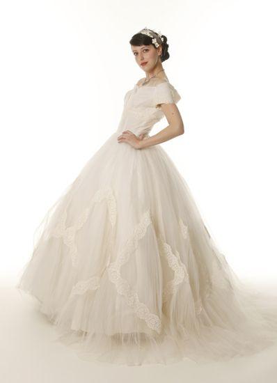 Sax Fifth Avenue Wedding Dresses 34