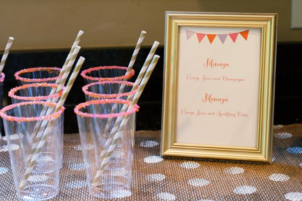Drink ideas for baby shower: Mimosas (alcohol) or Momosas (no alcohol)