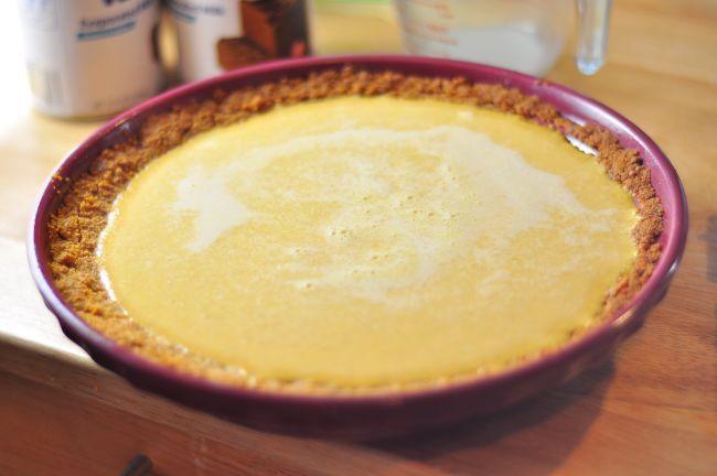 Pumpkin Custard Pie Recipe | lolfoodie | yummy | Pinterest