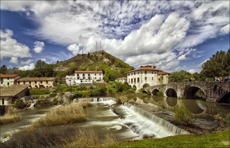 Vista del algergue de peregrinos de La Trinidad de Arre, Navarra