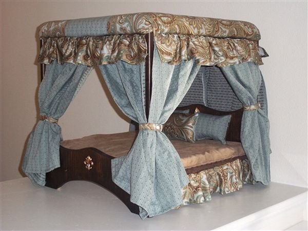 Doggie couture shop out of sight luxury canopy dog beds for Canopy couture