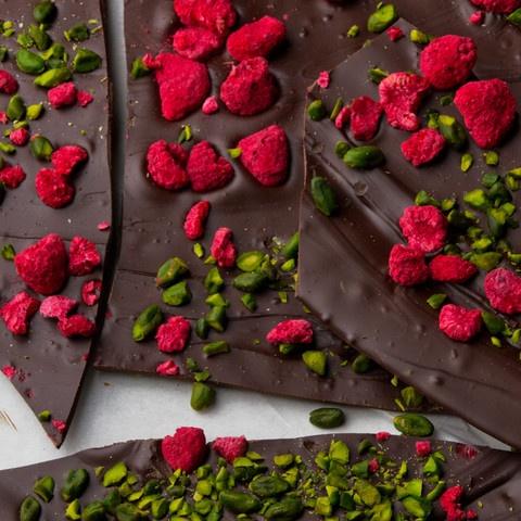 Dark chocolate, pistachio and raspberry brittle - Ottolenghi