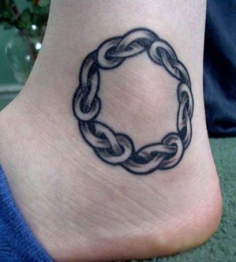 celtic knot tattoo on foot henna mehndi designs pinterest. Black Bedroom Furniture Sets. Home Design Ideas