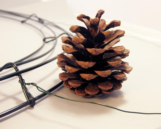 Pine cone wreath tutorial christmas pinterest