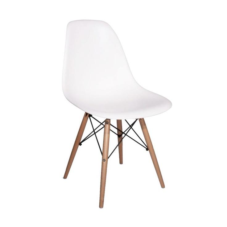 eames DSW wit kinderstoeltje (Of DSR, of Panton chair...)