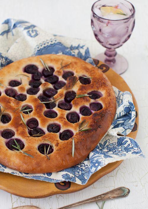 Grape Focaccia With Rosemary | www.melangery.com | Pinterest