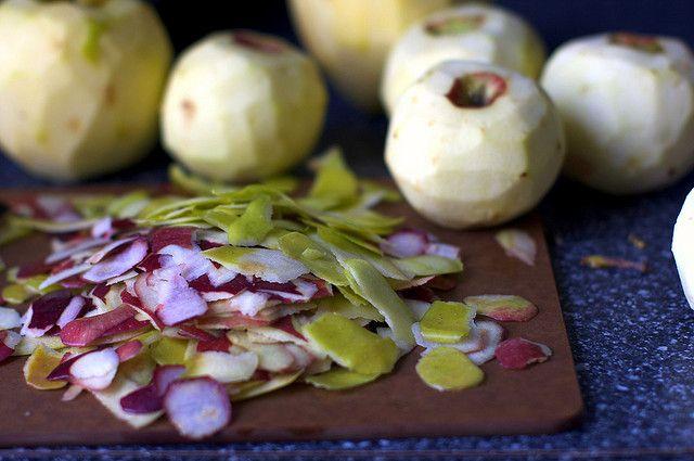breakfast apple granola crisp (by Smitten Kitchen)