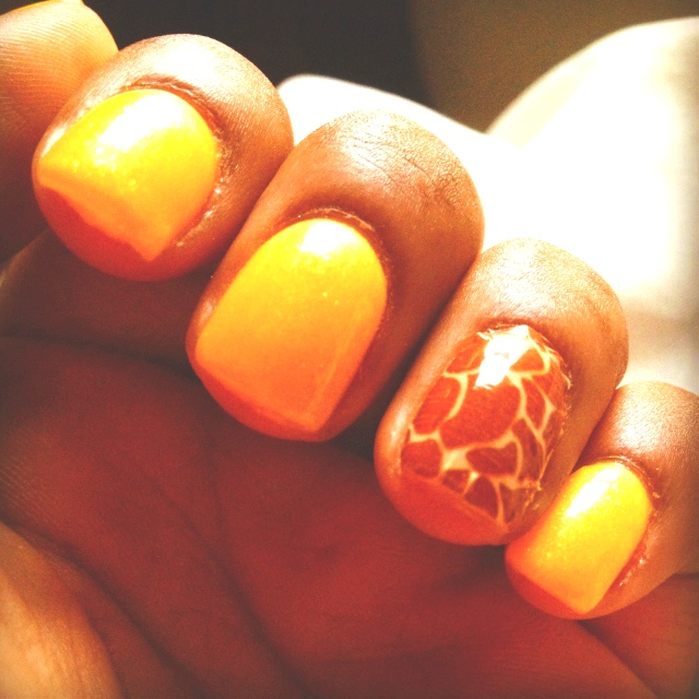 Yellow gel nails & giraffe print | Nails & Toes | Pinterest