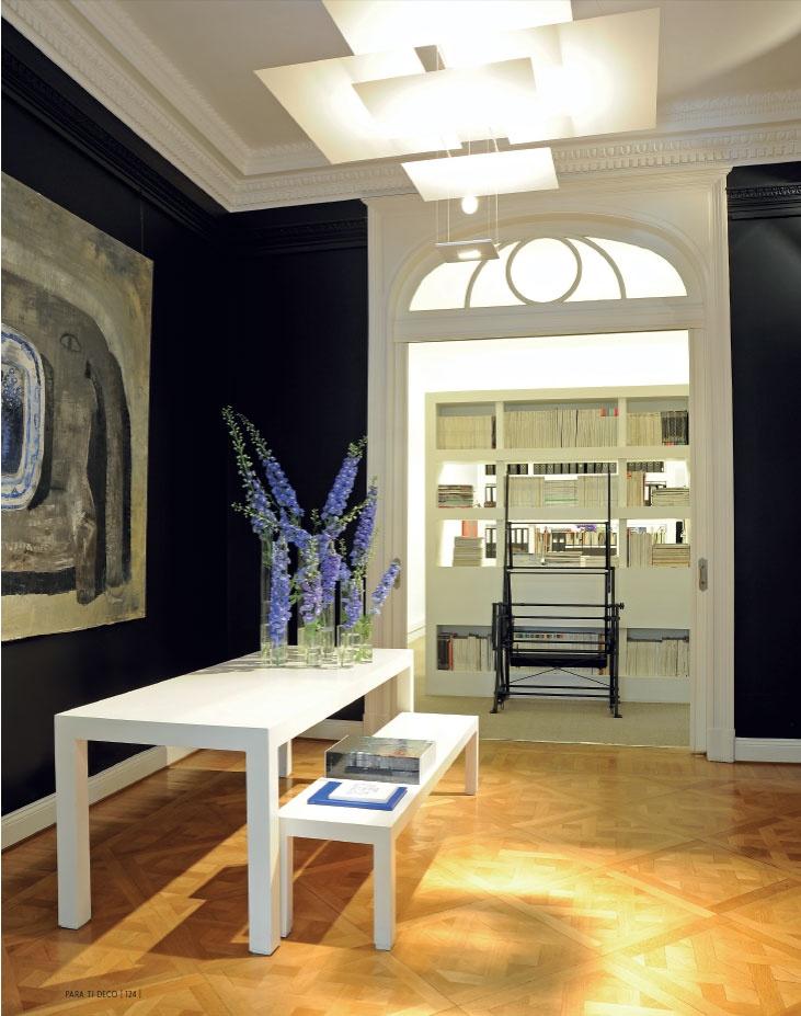 ELEGANTE. La oficina donde funciona el estudio del arquitecto Martín Zanotti se desarrolla en un edificio de estilo francés de principios de siglo.
