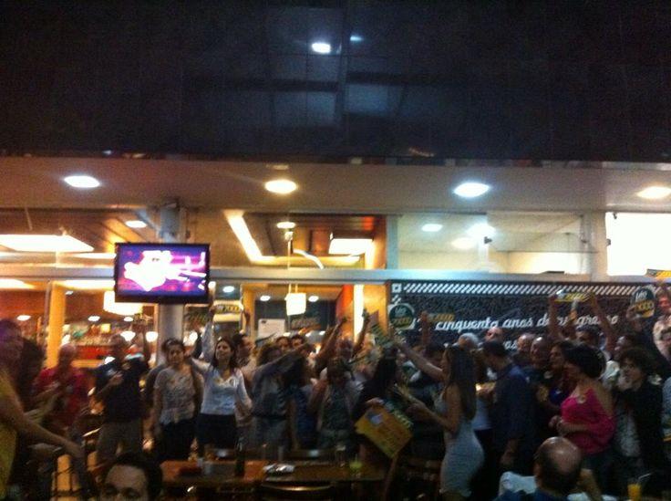 Fiscais de Belo Horizonte comemorando a vitória