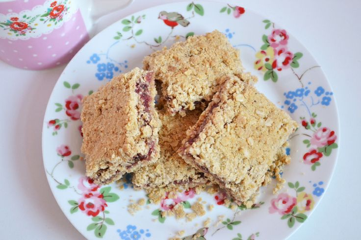 Raspberry Crumble Squares | Cookies and Biscuits | Pinterest