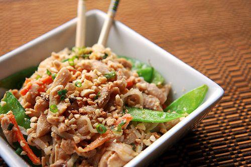 spicy peanut chicken noodles