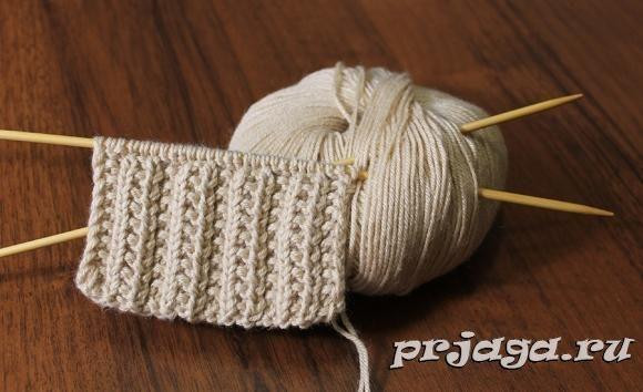 Вязание спицами простой двухцветный узор