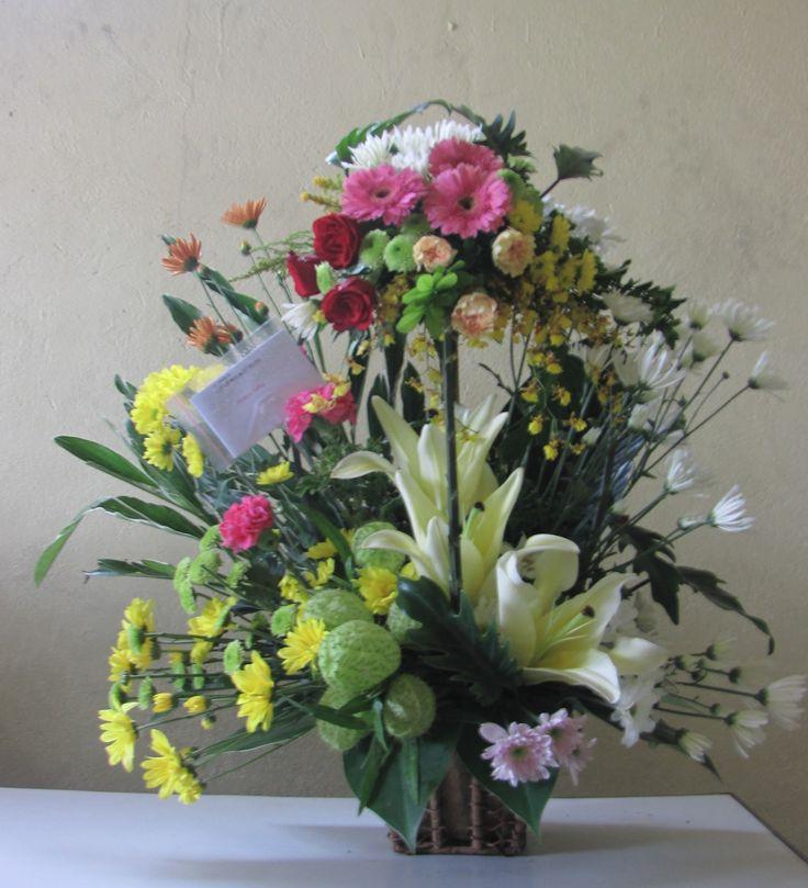Pin By Rosie Lujan On Mother 39 S Day Flower Arrangement