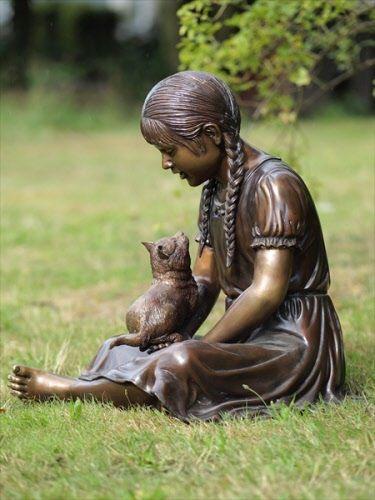 Statue i spomenici posvećene deci - Page 2 E7231c04ff8888f3a04302e175726649