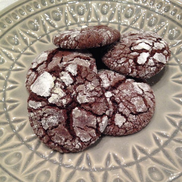 Chocolate & Peppermint Crackle Cookies | A little spoonful of... | Pi ...