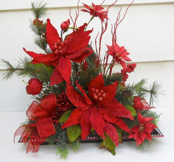 Christmas holiday poinsettia flower arrangement table for Poinsettia arrangements