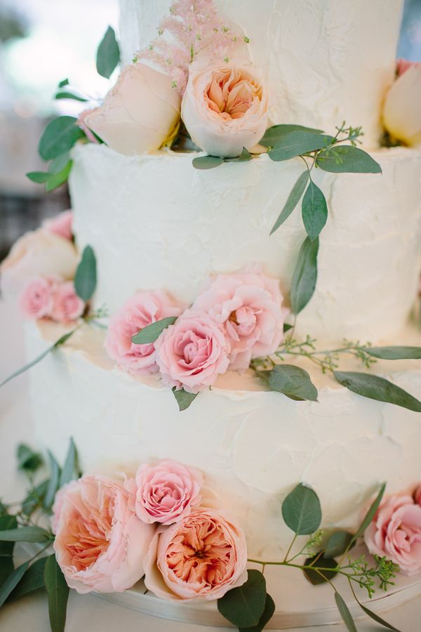 Fresh Flowers On Wedding Cake Photography By Http Www