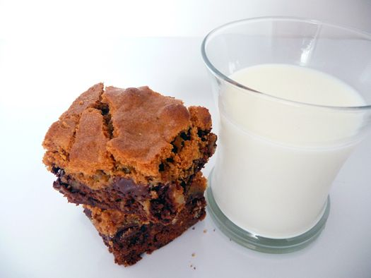 Chocolate Chip Cookie-Topped Brownies...LARGE glass of milk please!