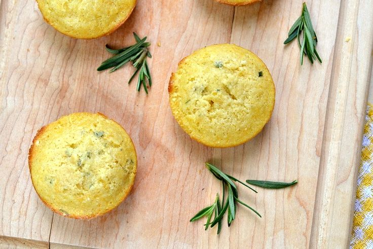 Rosemary Cheddar Cornbread Muffins | Weight Watchers Recipes | Pinter ...