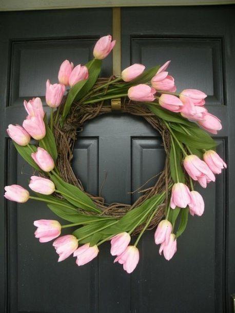 DIY tulip wreath