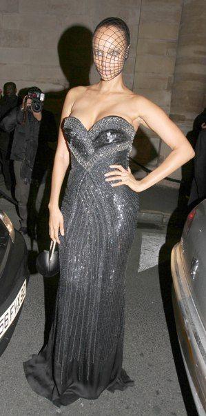 Masked models: Tyra Banks and Gisele Bundchen