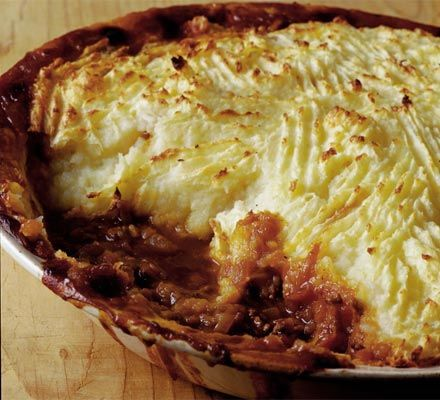Tasty shepherd's pie with parsnip mash | Recipe