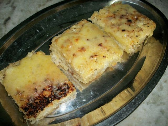 YUMMY TUMMY: Cheesy Garlic Bread using Focaccia Bread
