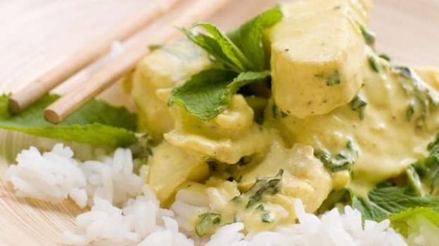 Thai green vegetable curry - A tasty vegetarian Thai favourite that ...