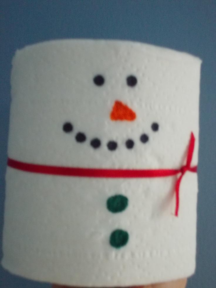 Pin by nancy kingsley on hiver carnaval pinterest - Bonhomme de neige avec rouleau papier toilette ...