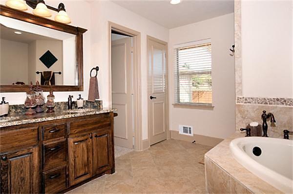 301 moved permanently for Elegant master bathroom designs