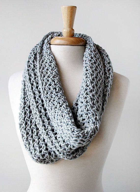 chunky lace knit infinity cowl. available from elenarosenberg.etsy.com