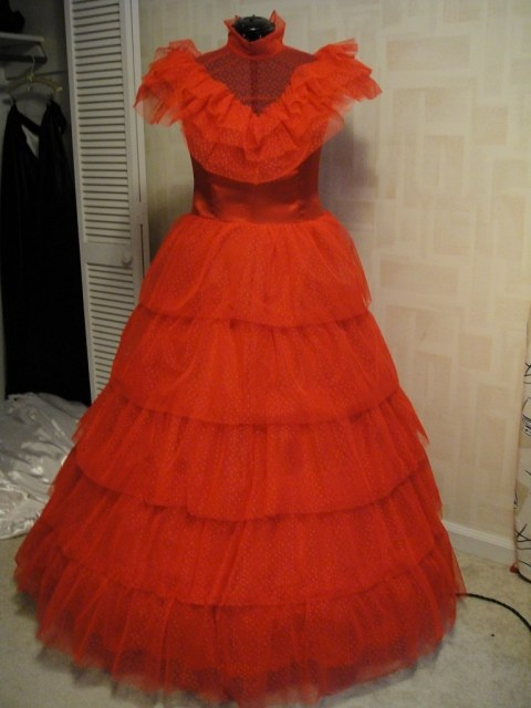 Red Wedding Dress Costume Lydia Deetz: Lydia deetz. Cosplay island ...