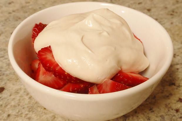 strawberries romanoff | Nom Nom Nom | Pinterest
