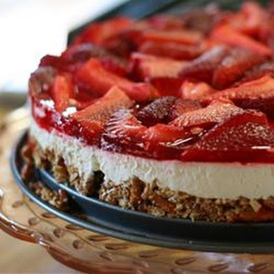 Judy's Strawberry Pretzel Salad | cookies, cakes, and bars...oh my ...