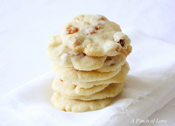 White chocolate apricot shortbread | Sugar load from APL | Pinterest