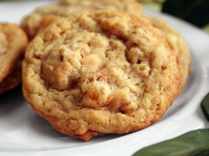 Caramel pear and toasted pecan cookies! | Bite me. | Pinterest