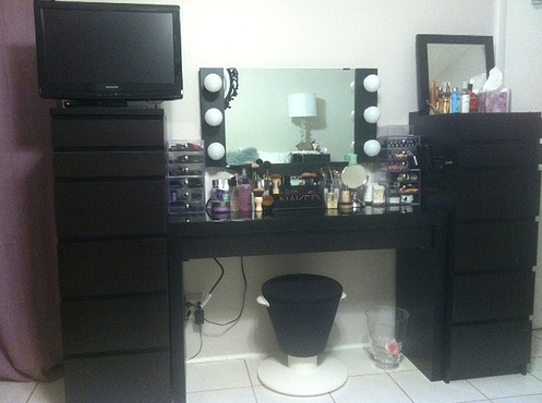 My Makeup Vanity Vanity Girl Hollywood Wall Mounted Mirror IKEA Malm Table