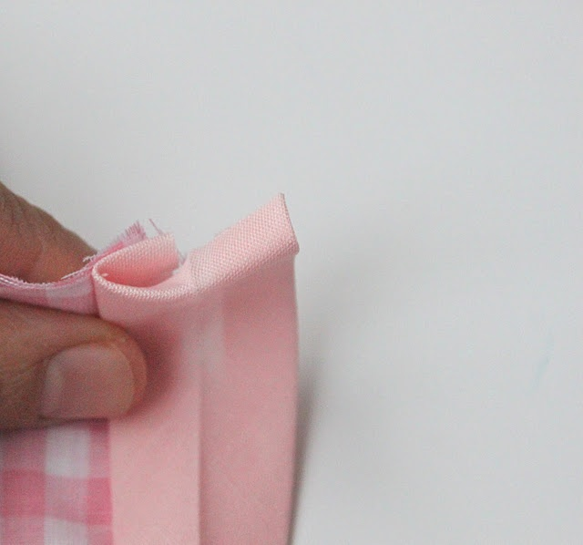 Finally!   How to Sew Bias Tape {A Tutorial}  I wish I've known it sooner!