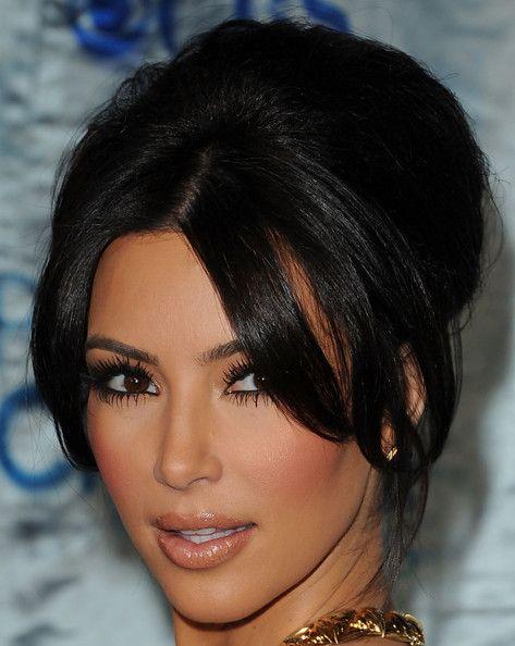 Kim Kardashian French Twist - Kim Kardashian Updos - StyleBistroKim Kardashian Updos