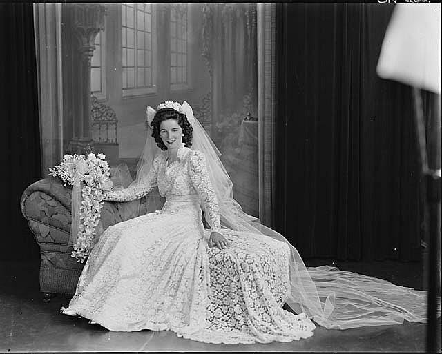 Mrs Fowler, Sydney, ca 1939-1945 / Sidney Riley Studios, Rozelle N.S.W ...